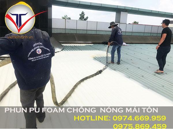 Phun Pu Foam chống nóng mái tôn
