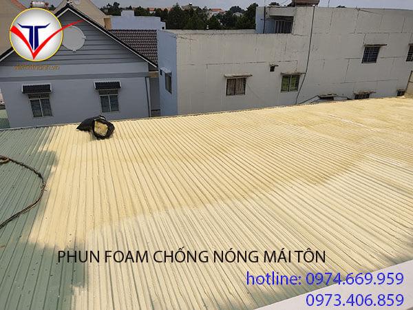 Phun Foam chống nóng mái tôn