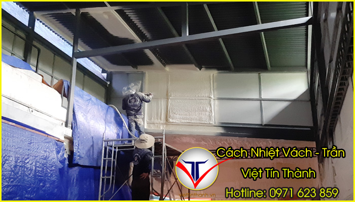 phun pu foam cách nhiệt cho trần và vách